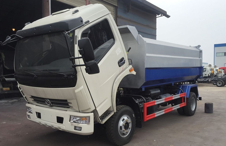 东风多利卡挂桶式垃圾车即将送到广东惠州王总指定地点