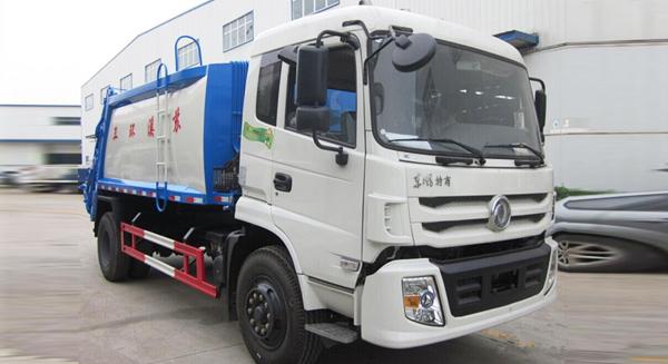 东风特商压缩式垃圾车(12方)